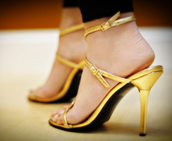 021207FASHION_goldshoes.jpg