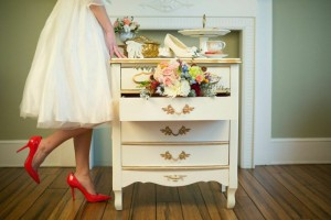 Vintage decor items available for rent through One Fine Day. (Photo by: Amber Bridges Photography​)