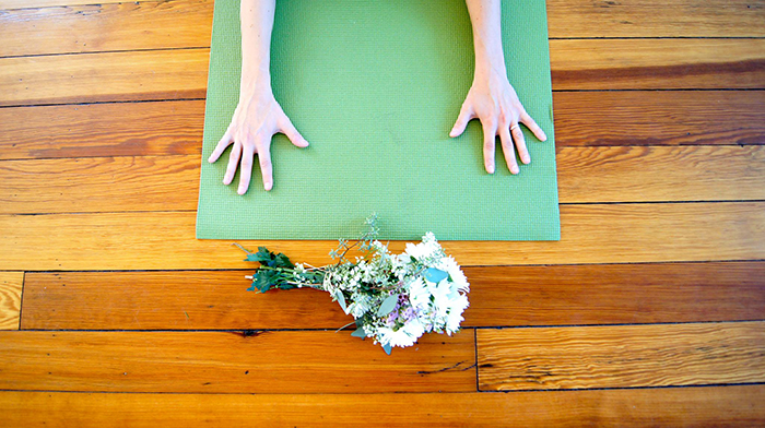 Cincy Bridal Yoga offers yoga to the bride-to-be and her bridal party on the day of her wedding.